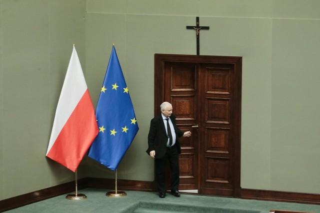 Prezes PiS Jarosław Kaczyński: Unia Europejska zawiodła, by nie powiedzieć skompromitowała się, jeśli chodzi o zakupy szczepionek [WYWIAD]