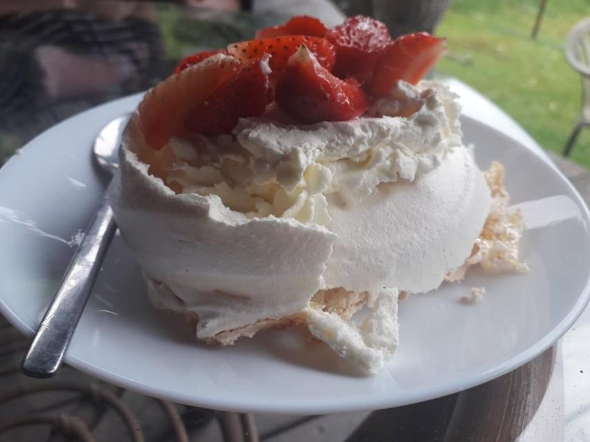 Deser z truskawkami i mascarpone to prawdziwy rarytas!...