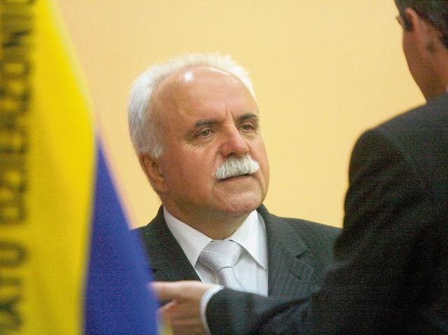Janusz Guzdek, starosta dzierżoniowski, prowadzi w rankingu na najlepszego starostę. Ma na swoim koncie już 17 594 głosy