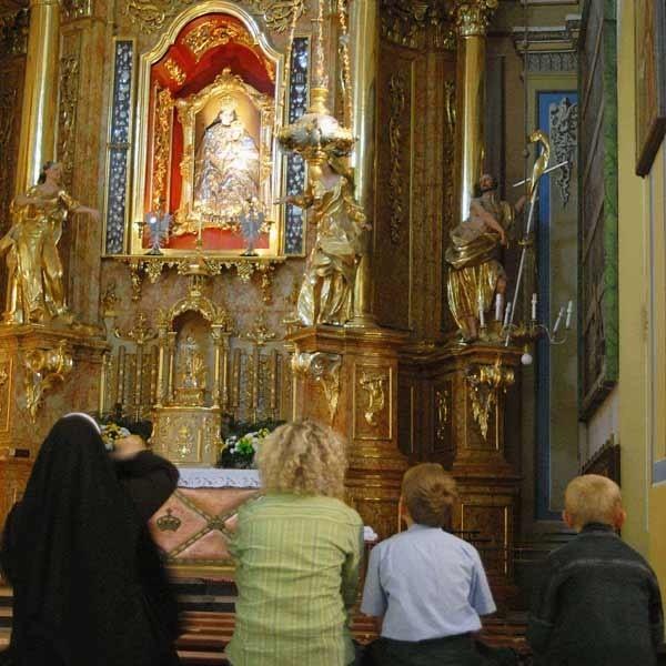 Od 11 do 15 sierpnia w Kalwarii Pacławskiej - sanktuarium Maryjnym i Męki Pańskiej odbędzie się doroczny wielki odpust Wniebowzięcia NMP. We wtorek z tysiącami pielgrzymów z kraju i  zagranicy spotka się ksiądz arcybiskup Józef Michalik, przewodniczący Konferencji Episkopatu Polski.
