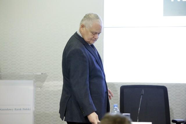 """""""Rada ocenia, że obecny poziom stóp procentowych sprzyja utrzymaniu polskiej gospodarki na ścieżce zrównoważonego wzrostu oraz pozwala zachować równowagę makroekonomiczną""""- czytamy."""