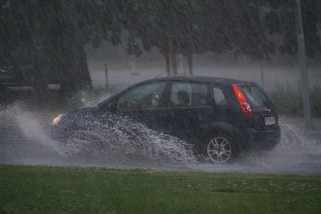 IMGW ostrzega przed intensywnymi odpadami deszczu
