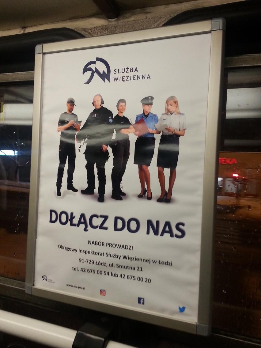 Ogłoszenie rekrutacyjne Służby Więziennej wywieszone w tramwaju linii 3 łódzkiego MPK