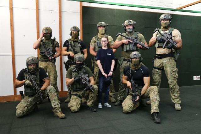 Jedno z marzeń 13-letniej Amelki spełnili bydgoscy policjanci.