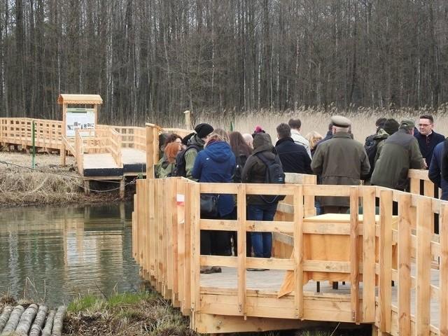 Podlasie ma nową atrakcję turystyczną. W okolicy Jałowa i Nowego Lipska otwarto kładkę na rzece Biebrza, przez którą można przeprawić się promem