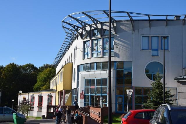 Uniwersytet Zielonogórski zawiesił zajęcia, ogranicza też wejścią do budynków uczelni