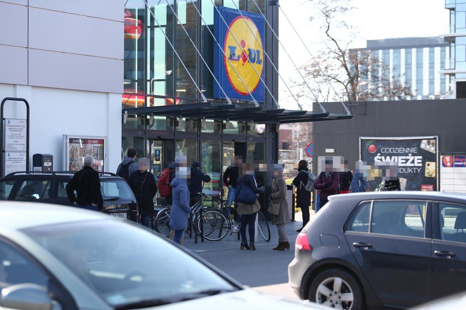 Rząd wprowadzi od wtorku jeszcze surowsze obostrzenia | Gazeta Wrocławska