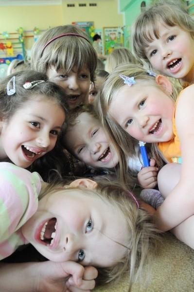- Zabawa w przedszkolu jest fajna! Zapraszamy do nas - mówią - dzieci z przedszkola nr 24 na os. Pomorskim