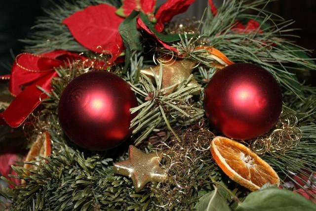 Wieniec adwentowyJak zrobić ozdobny świąteczny wieniec. Pomysły na adwentowy wieniec