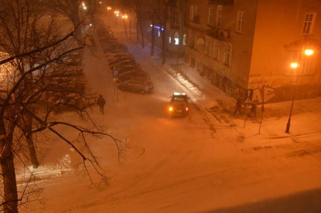 W środę, 11 stycznia, po południu w Zielonej Górze sypnęło śniegiem.