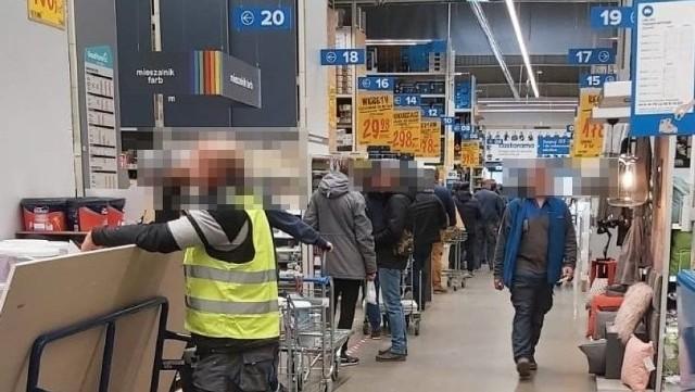 Zdjęcie ilustracyjne z marketu budowlanego w Gdańsku w sobotę, 14 marca 2020 r.