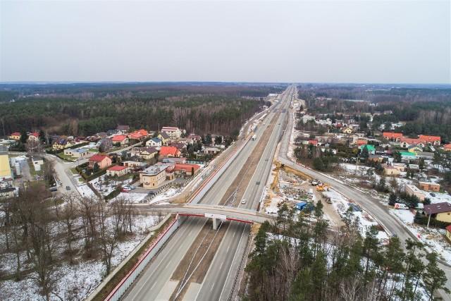 Budowana jest ekspresowa siódemka od Grójca do Warszawy. Ostatni odcinek, od Tarczyna do Lesznowoli, jeśli wszystko pójdzie zgodnie z planem, będzie gotowy za ponad 2,5 roku.