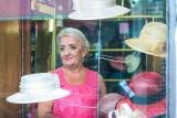Damy noszą kapelusze - rozmowa z Ireną Benowską z ostatniej toruńskiej pracowni modniarskiej