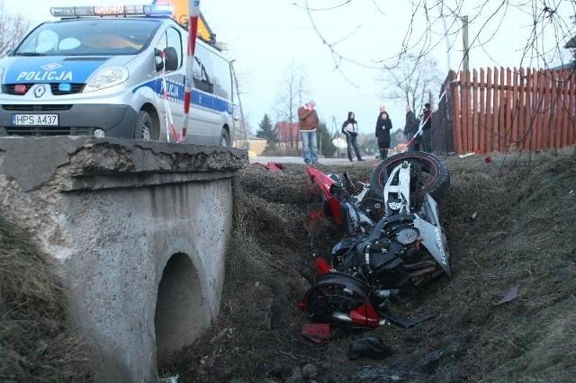 Motocyklista zginął na łuku drogi w miejscowości Janaszów.