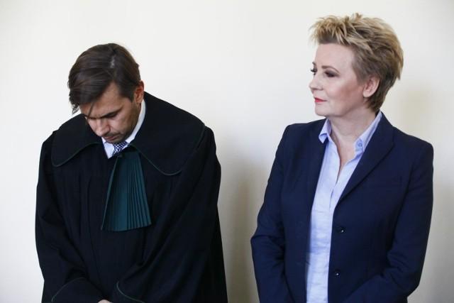 Hanna Zdanowska i mecenas Bartosz Tiutiunik. 20 września obrońca wniósł o uniewinnienie swej klientki.