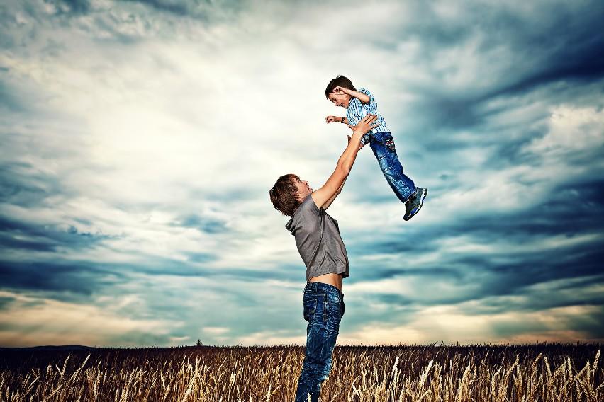 Dzień Ojca życzenia śmieszne Poważne Wzruszające życzenia