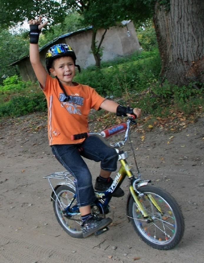 Podobny rajd odbył się jesienią ub.r. Uczestniczyło w nim ponad stu rowerzystów i piechurów. Z trasa poradziły sobie nawet małe dzieci.