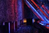 Inowrocław. Tężnie w Solankach w Inowrocławiu podświetlone w barwach narodowych. Obchody Święta Niepodległości rozpoczęte. zdjęcia