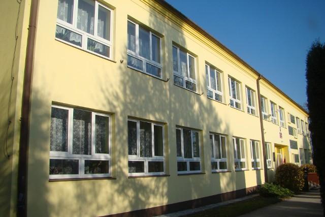 Szkoła Podstawowa w Książu Małym