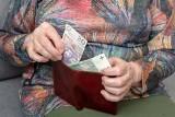 Liczba osób pobierających emerytury z ZUS niższe od minimalnej wzrosła do 279,9 tys.