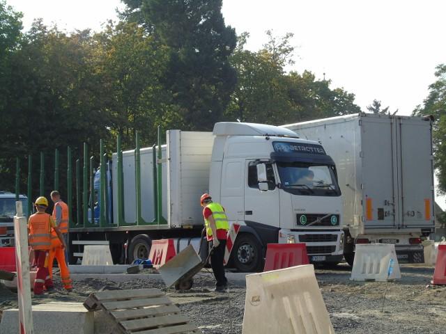 Prace przy budowie ronda potrwają do listopada. Koszt inwestycji to ok. 1,5 mln zł