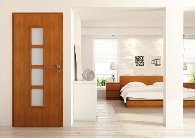 Wewnętrze drzwiDrzwi z przeszkleniami dekoracyjnymi nadają się do każdego pomieszczenia. Ważne, by odpwiednio dobrać rodzaj szyby - nie zawsze sprawdzi się ta przezierna.