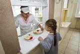 Darmowe śniadania dla dzieci w szkołach miały zniknąć od 2020 roku. Powód? 500 plus, które poprawiło kondycję finansową rodzin