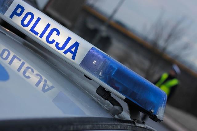 Policjanci zatrzymali 27-latkę, która zmuszała inne kobiety do prostytucji.