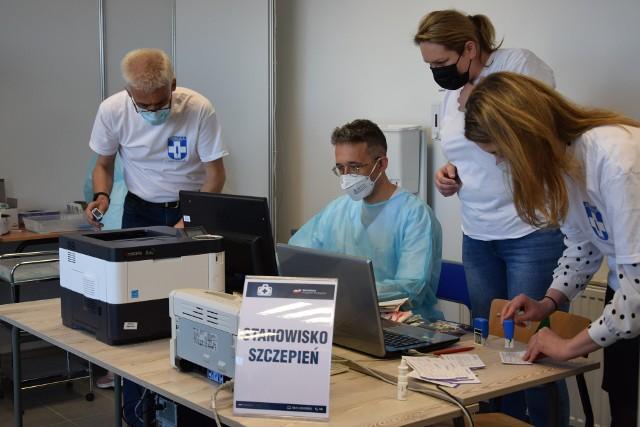 Punkt Szczepień Powszechnych w Sępólnie będzie działał do końca października. W galerii - statystyki szczepień w gminach