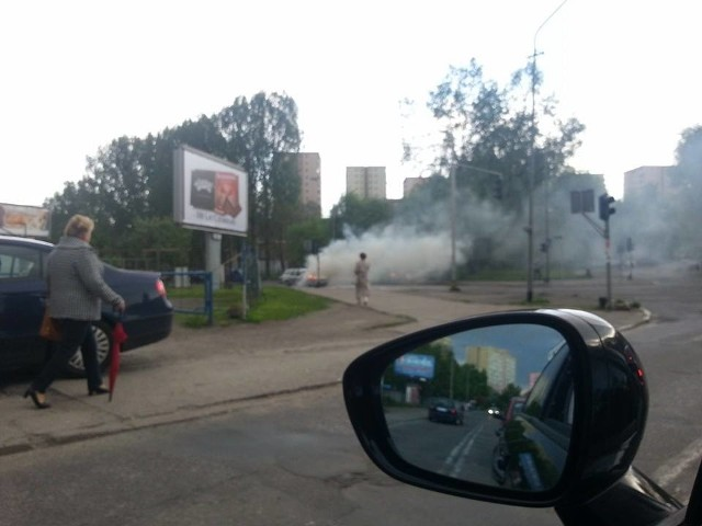 Pożar auta na ul. Ofiar Oświęcimia w Szczecinie.