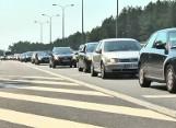 Autostrady w kierunku morza odblokowują się. Zatory w drodze powrotnej (wideo)