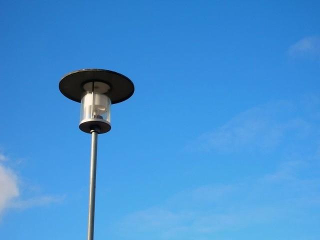 Włocławek. Trójka złodziei chciała ukraść... uliczną latarnię