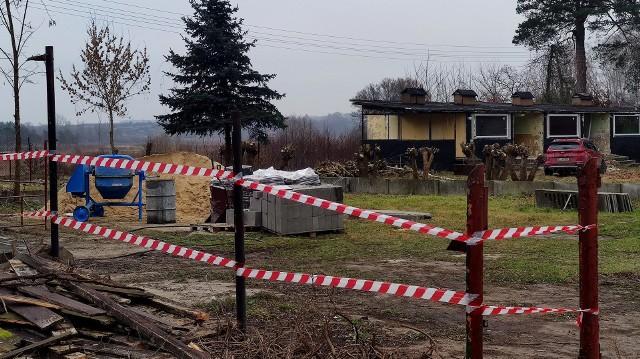 Rozbiórka i porządki na terenie dawnego ośrodka Victoria na Polance w Sulejowie