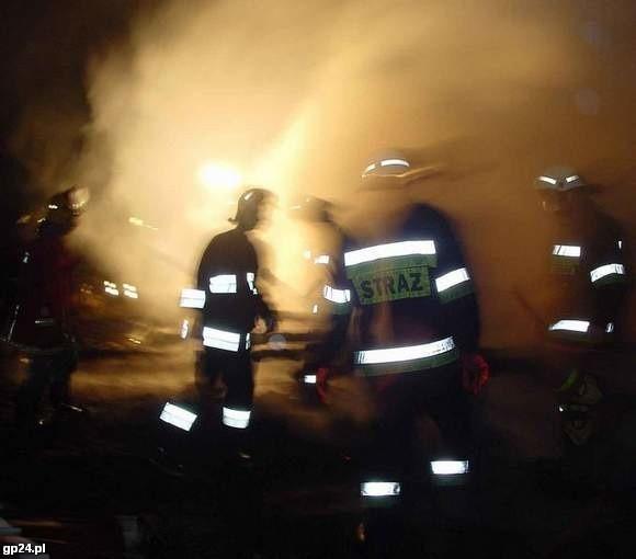 Trzy osoby zginęły w pożarze kamienicy w Świdwinie