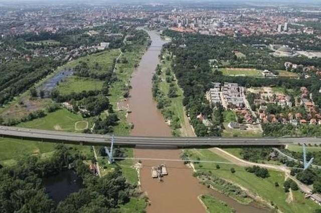 Most Wschodni z fragmentem alei Wielkiej Wyspy we Wrocławiu