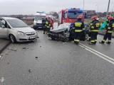 Wypadek w Babicach. Zderzyły się dwa samochody, trzy osoby trafiły do szpitala