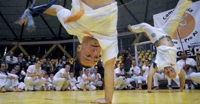 Okrąglak odwiedziło w weekend ćwierć tysiąca miłośników capoeiry.