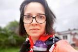 Pani Dagmara z Zielonej Góry biegała przez 12 godzin bez przerwy i pokonała 75 kilometrów. Po co? By edukować na temat chorób jelit