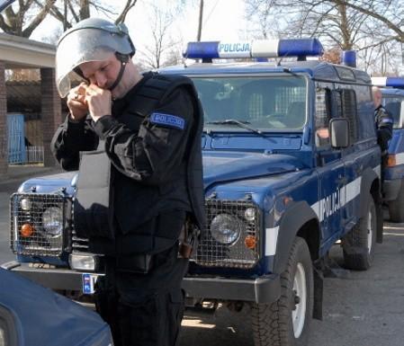 Kibice są zdania, że policja ich prowokowała.