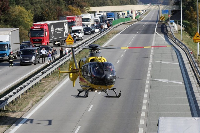 Oto 20 odcinków dróg w Polsce, w których w 2019 roku policja odnotowała najwięcej wypadków i kolizji. W niektórych z nich doszło w ciągu roku aż do ponad setki zdarzeń. Statystycznie wypadki były tam więc aż co trzy dni! Na tej czarnej liście są też drogi z Dolneog Śląska. Zobaczcie te miejsca na kolejnych slajdach - posługujcie się klawiszami strzałek, myszką lub gestami.