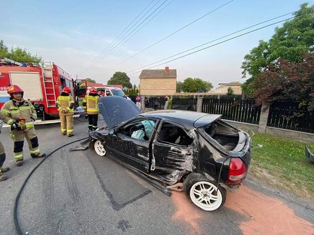Kierowana przez pijanego kierowcę honda uderzyła w ogrodzenie posesji w Pomorzanach.