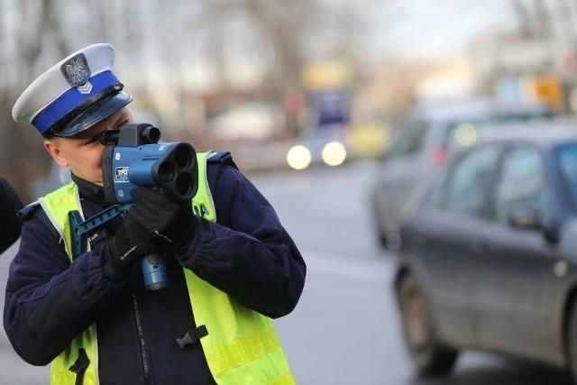 """Policyjna akcja """"Prędkość"""" w województwie kujawsko - pomorskim."""