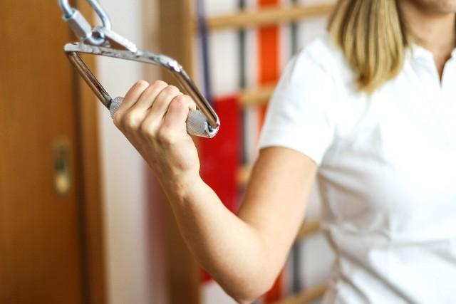 Jak wygląda rehabilitacja pocovidowa w gabinecie fizjoterapeuty lub w domu?