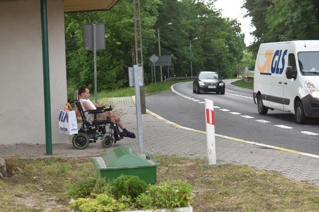 """Akcja """"Zatrąb dla Marcina"""" sprawiła, że wielu kierowców wciąż trąbi na jego widok, jednak przeszkadza to pobliskim mieszkańcom."""