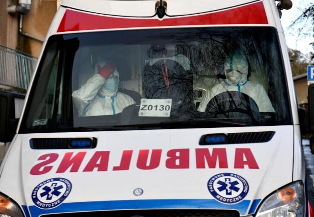 Państwowy Powiatowy Inspektor Sanitarny w Łodzi informuje o kolejnych przypadkach koronawirusa w łódzkich lokalach a także w kinach i w teatrze. Komunikaty na kolejnych slajdach -->
