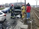 Ukrainiec w wypożyczonym aucie spowodował wypadek na Legnickiej. Nie miał prawa jazdy [ZDJĘCIA]