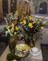Słodkości w kwiatach - torty i ciasta dekoruje się dziś różami, bratkami, stokrotkami...