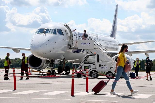 Według raportu główną motywacją Polaków wyjeżdżających do pracy za granicę są uwarunkowania ekonomiczne.
