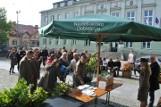 Akcja #sadziMY w Białobrzegach. Leśnicy z Dobieszyna rozdawali sadzonki drzew