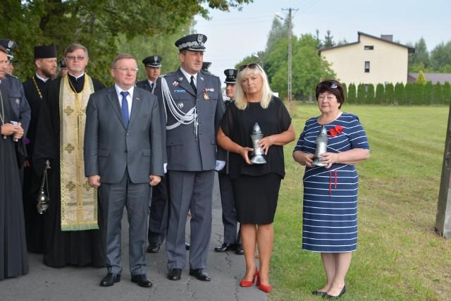 Uczestnicy uroczystości, upamiętniających białoruskich pilotów.